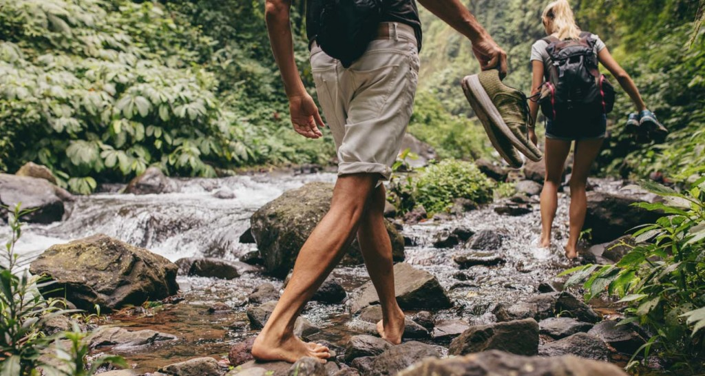 Earthing The Case for Going Barefoot_What is earthing